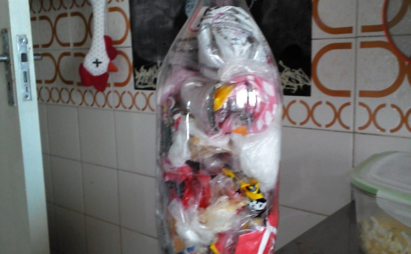 Haz tu propio basurero para bolsas no reutilizables